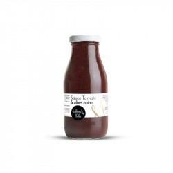 Ready tomato sauce with black olives